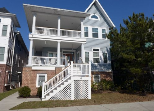 ONE OF A KIND, SPACIOUS 6+ large bedrooms 5 baths, 3 Flrs, ELEVATOR
