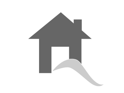 5 Star  Beach Block 3 bedroom 2 full bath Stair Lift Elevator.