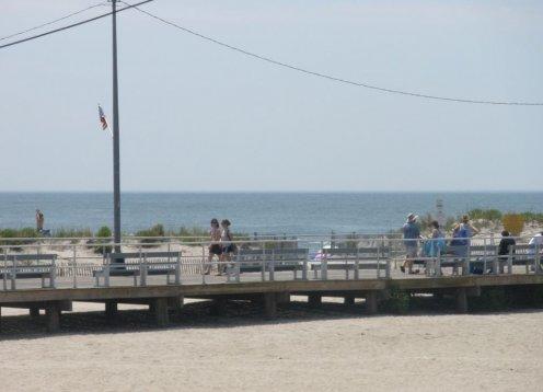 A++++OCEAN VIEW boardwalk & Beach & family amusement,