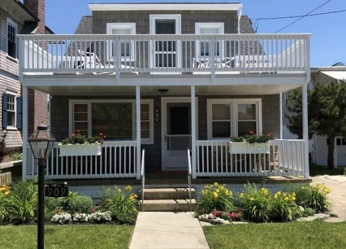 NEW LISTING! Ocean City Gardens beach block single family home.