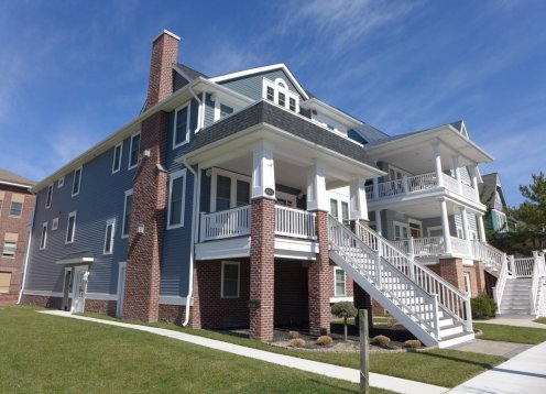 NEW-Heart of OC, *Handicap Accessible* Private ELEVATOR, 10 Beach Tags